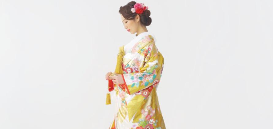 色打掛『賀上の寿』(ガジョウノコトブキ)を着た花嫁